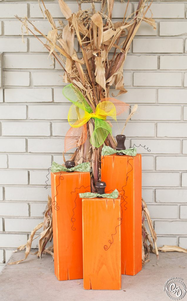 {Front} Porch Pumpkins