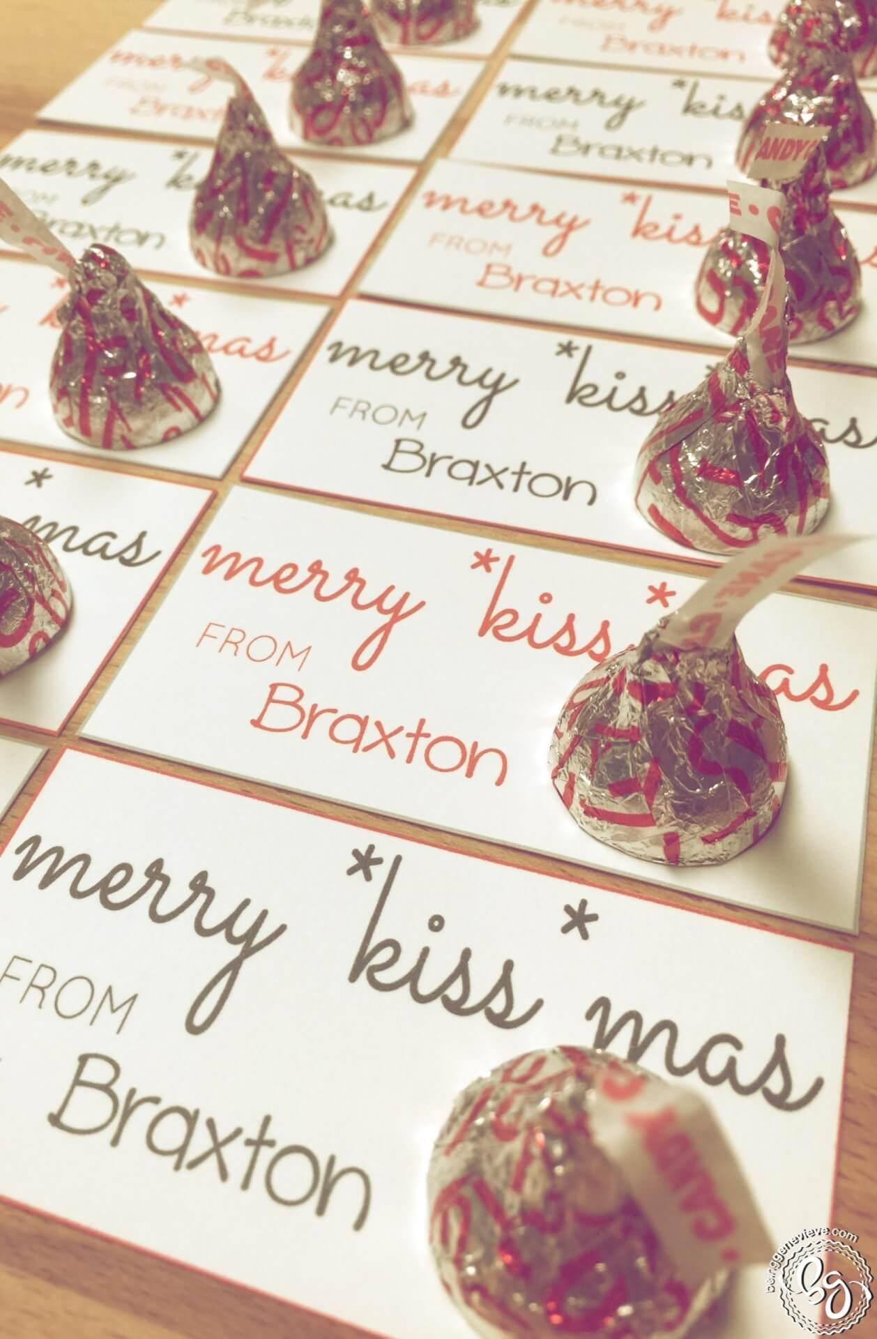 """Merry """"Kiss""""mas Tags"""