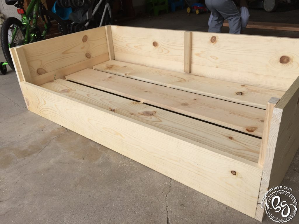 Dog Bed With All Four Sides Raised
